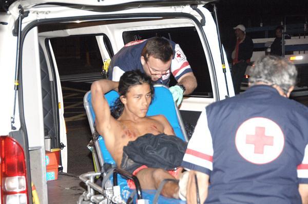 En el lugar también atendieron a Róger Rodríguez y Miguel Obando, ambos heridos en tres ocasiones