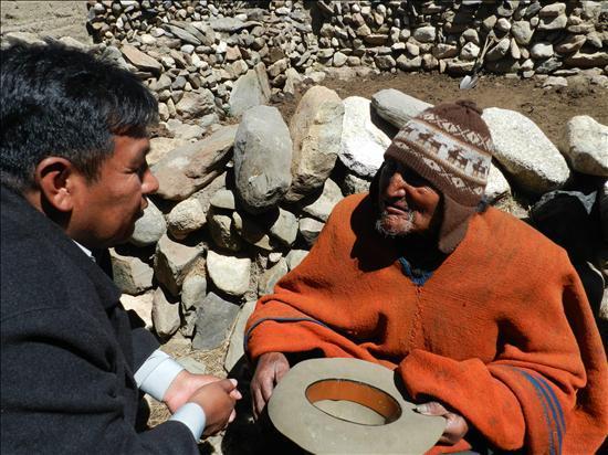 Carmelo Flores Laura, de 123 años, quien es el hombre más longevo del mundo, según las autoridades bolivianas