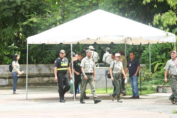 Oficiales de la Fuerza Pública, veterinarios, biólogos y abogados realizaron un inventario en el zoológico Simón Bolívar