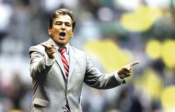 Jorge Luis Pinto vive con intensidad el fútbol