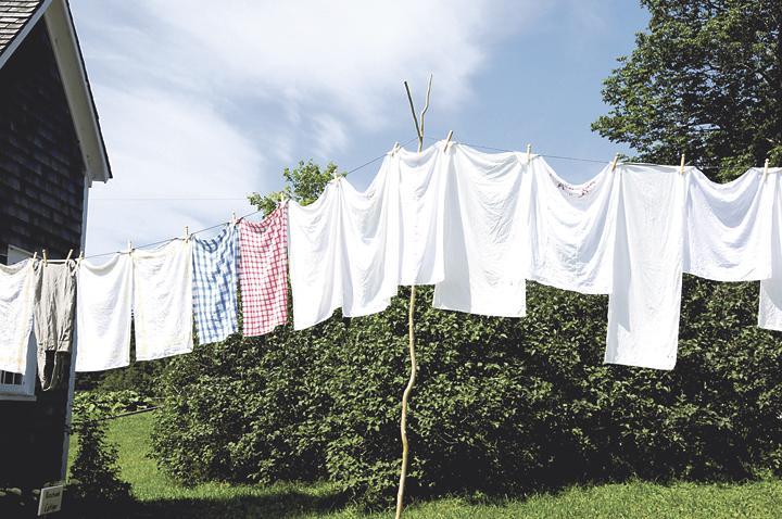 Diario extra trucos para la ropa blanca - Tendedero ropa pared ...