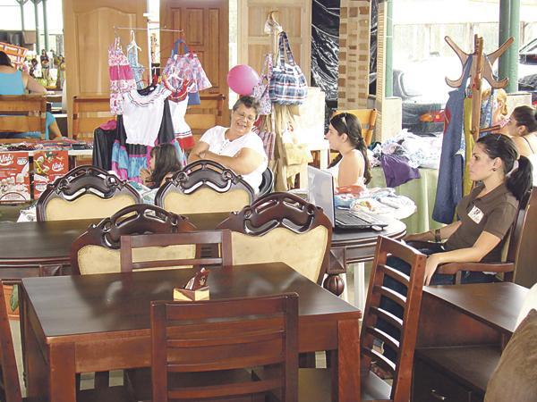 Diario extra sarch lo espera con feria de muebles for Feria de muebles