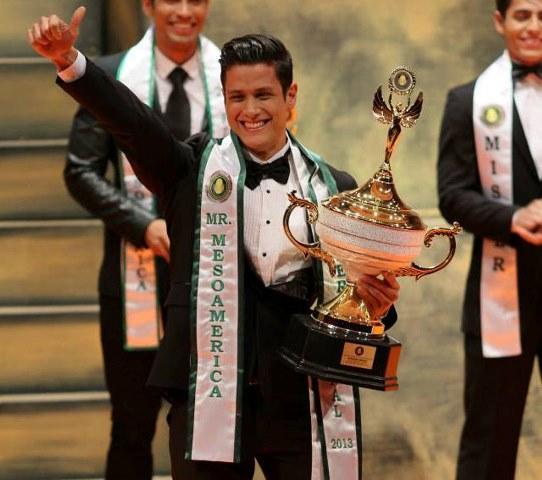 Alonso Chaves, ganó el pasado 30 de noviembre el título de Mister Mesoamérica Internacional 2013