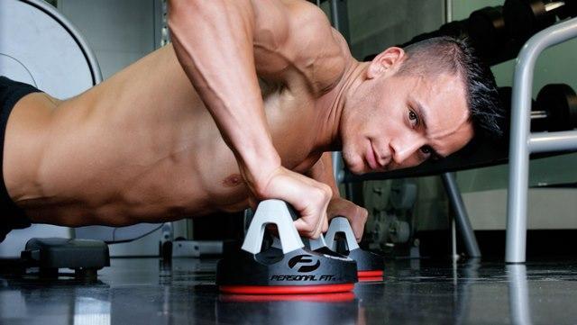 En nuestra página Tiazelmira.com, sección Con Luz Propia, podrán ver todas las fotos que le hizo Mario Vargas al modelo Jorge Zamora