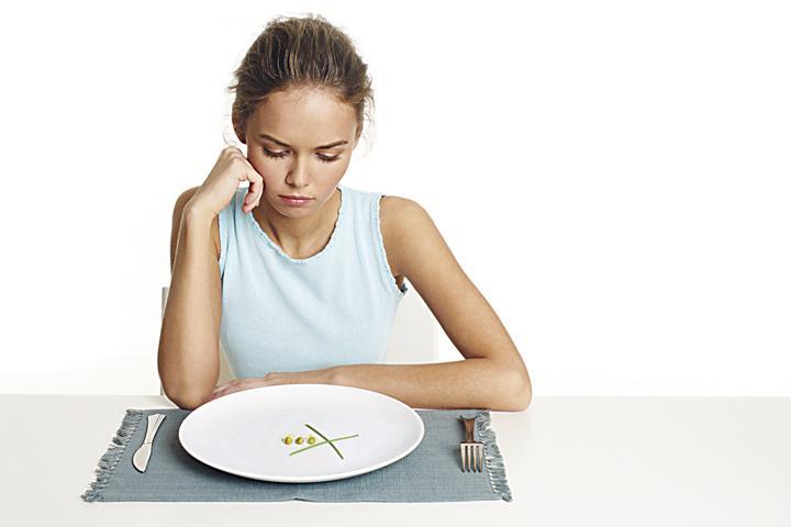 5 Razones de por qué aguantar hambre engorda