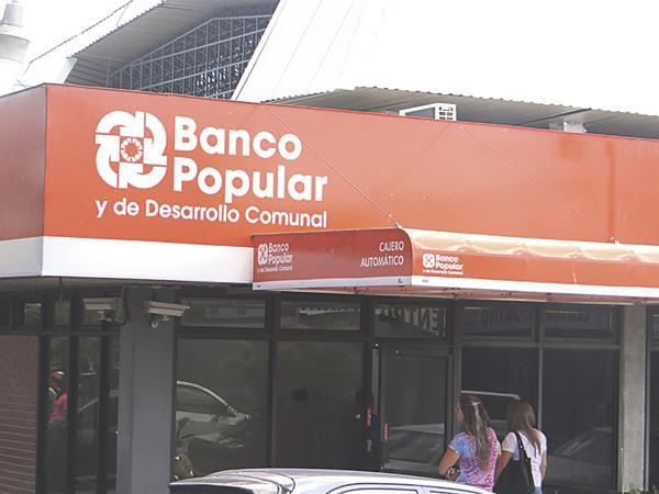 Diario extra empleado de banco roba 320 millones de cajeros for Oficinas banco popular malaga