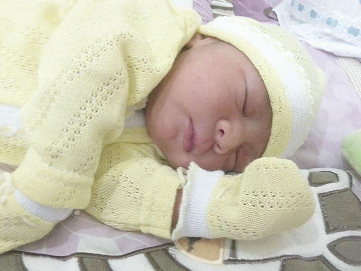 Este es Iker recién nacido