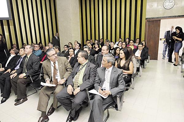 Pese a que ante los magistrados de la Corte, tanto Jorge Chavarría como Francisco Segura defendieron el rastreo telefónico a Manuel Estrada, el fiscal desiste de continuar la investigación
