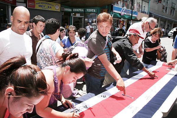 Diario extra taxistas firmar n la bandera for Walmart rio cuarto