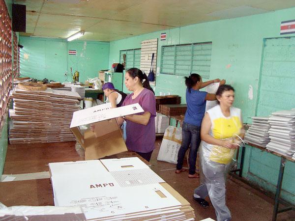 45 RECLUSAS SE INSPIRAN EN UN TRABAJO DE EXPORTACIÓN