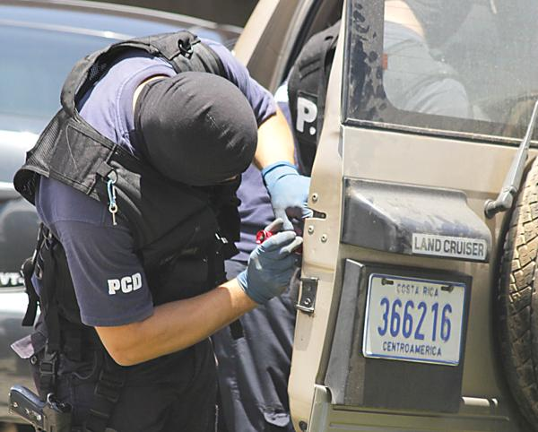 La PCD incautó carros, embarcaciones, dinero en efectivo y armas.