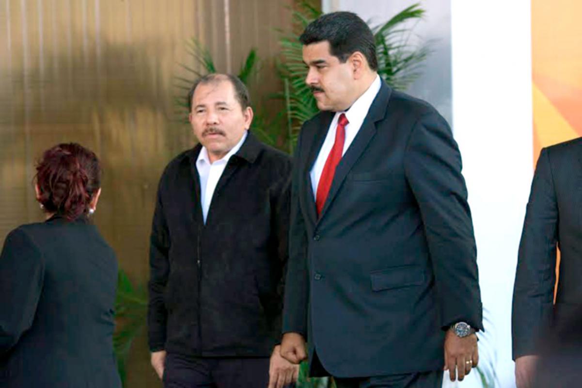 Ortega arma alboroto y Solís lo reprende