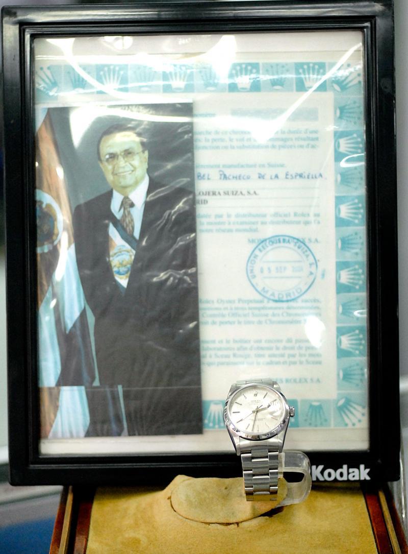 Socio de lavador le dio Rolex a Abel Pacheco