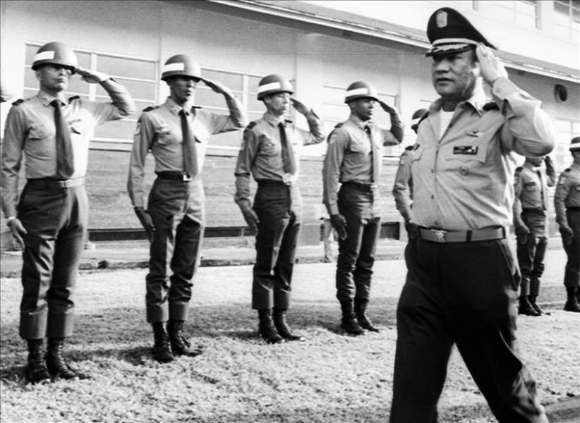 Carlos Ossa Escobar Detail: Petición De Perdón De Noriega Divide Pueblo