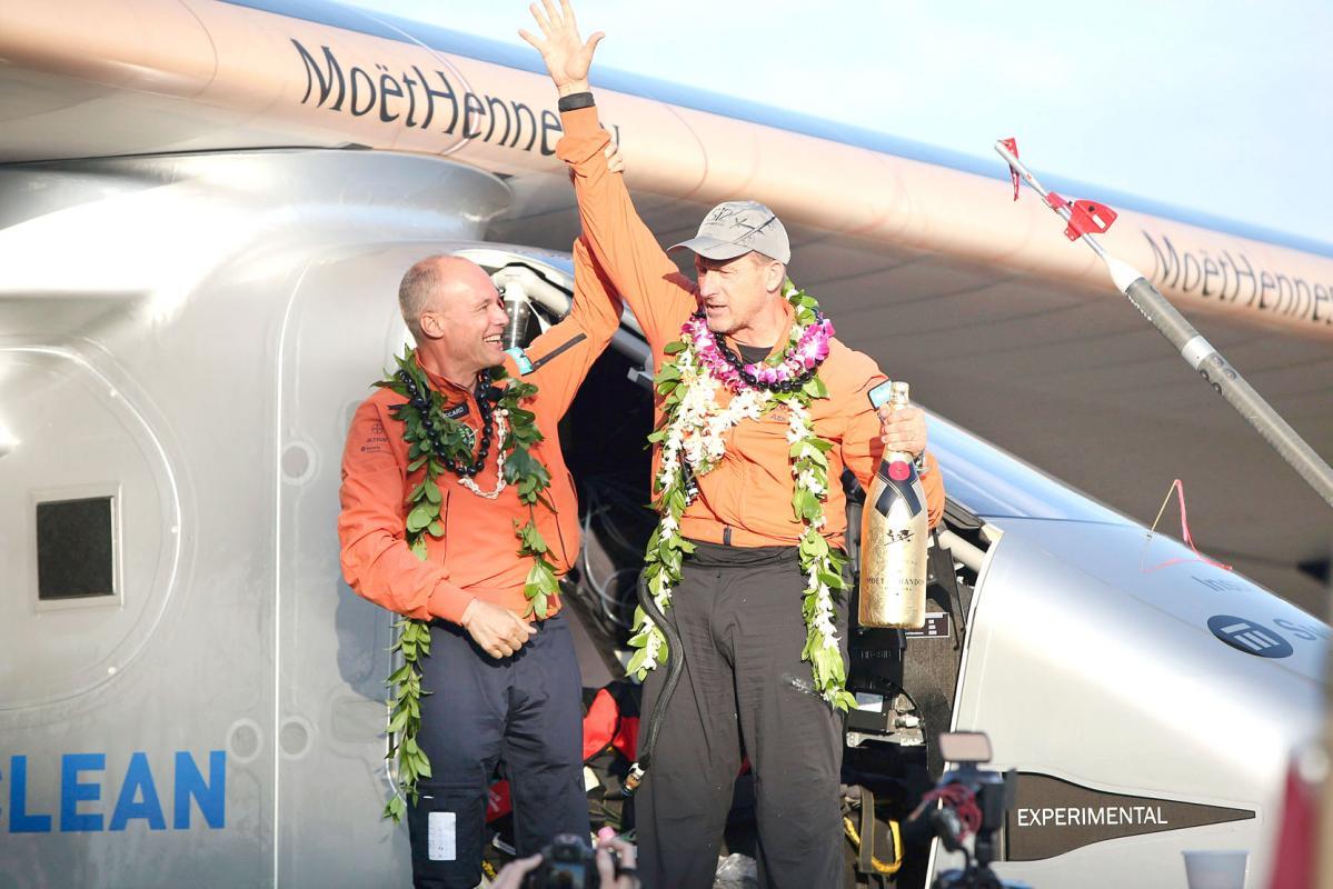 Avión solar bate 2  récords mundiales