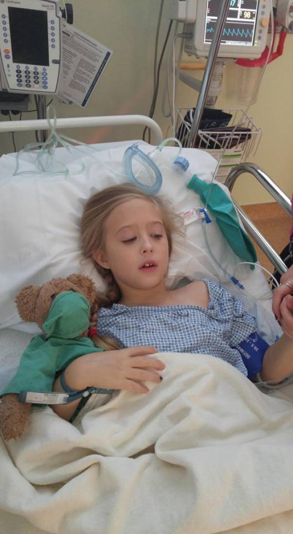 Chrissy Turner, la niña de 8 años diagnosticada con cáncer de seno