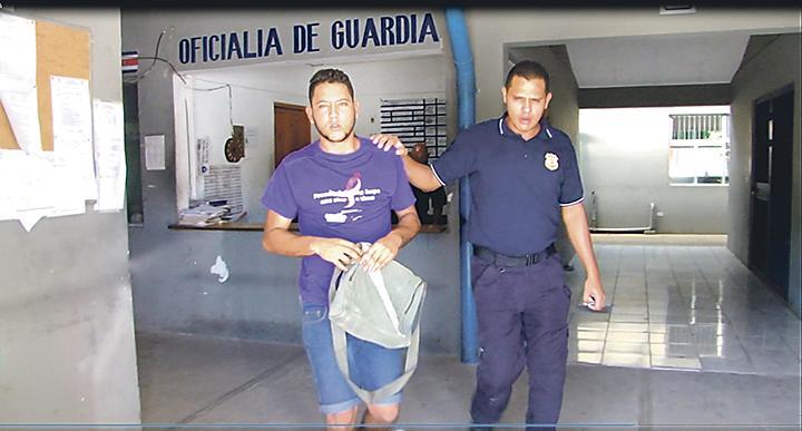 Condenan cubano  por robar 6 birras