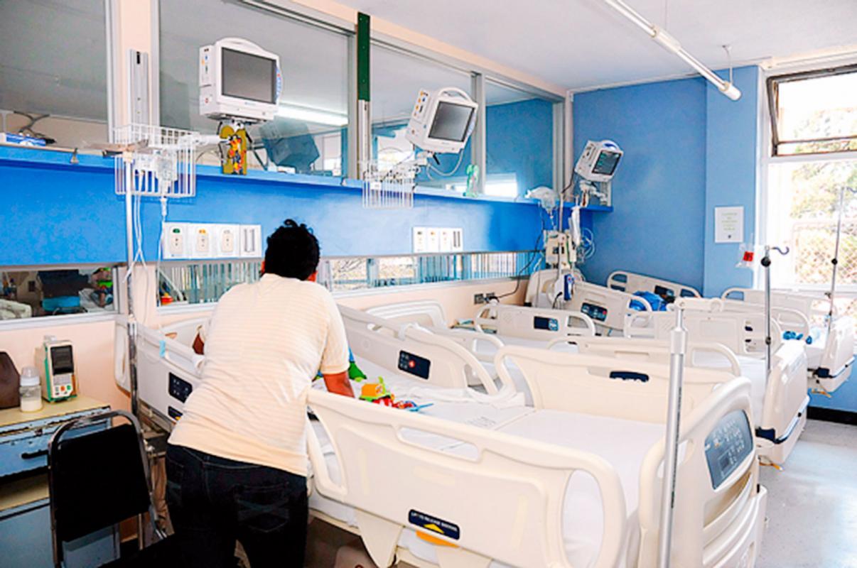 Diputados avalan licencia para padres de niños enfermos