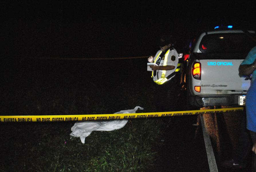 Chofer mata ciclista y escapa de accidente