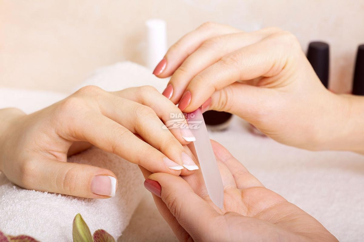 Diario Extra - Use la técnica y la lima adecuada para las uñas
