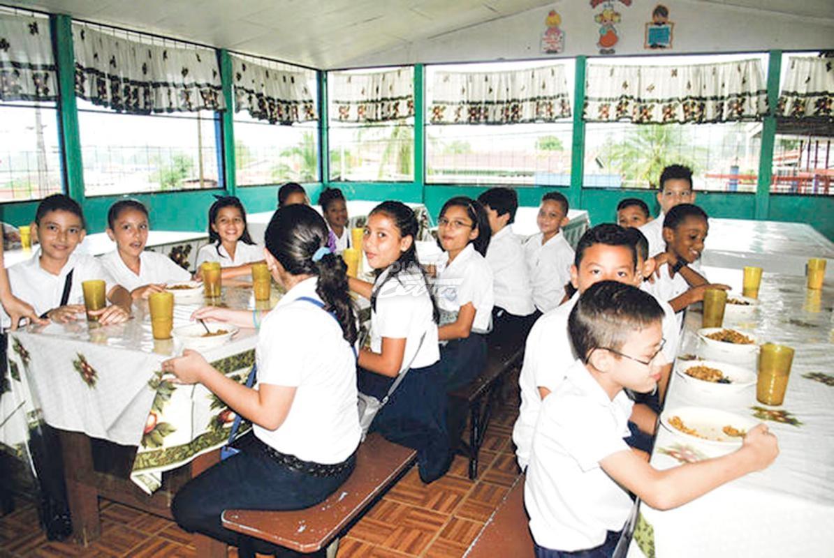 Diario Extra - 744 centros educativos abren comedores