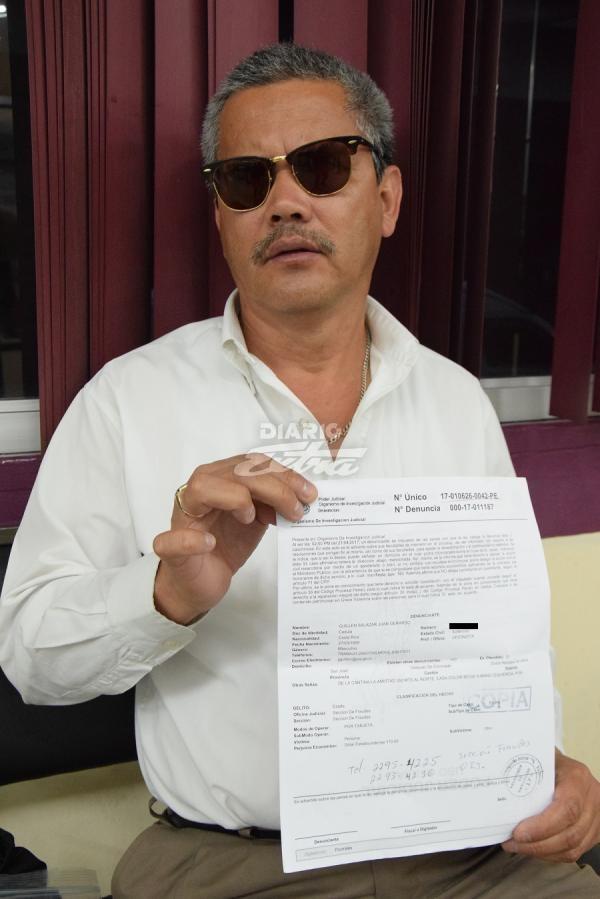 Diario extra oficinista denuncia a uber por cobrarle for Que es un oficinista