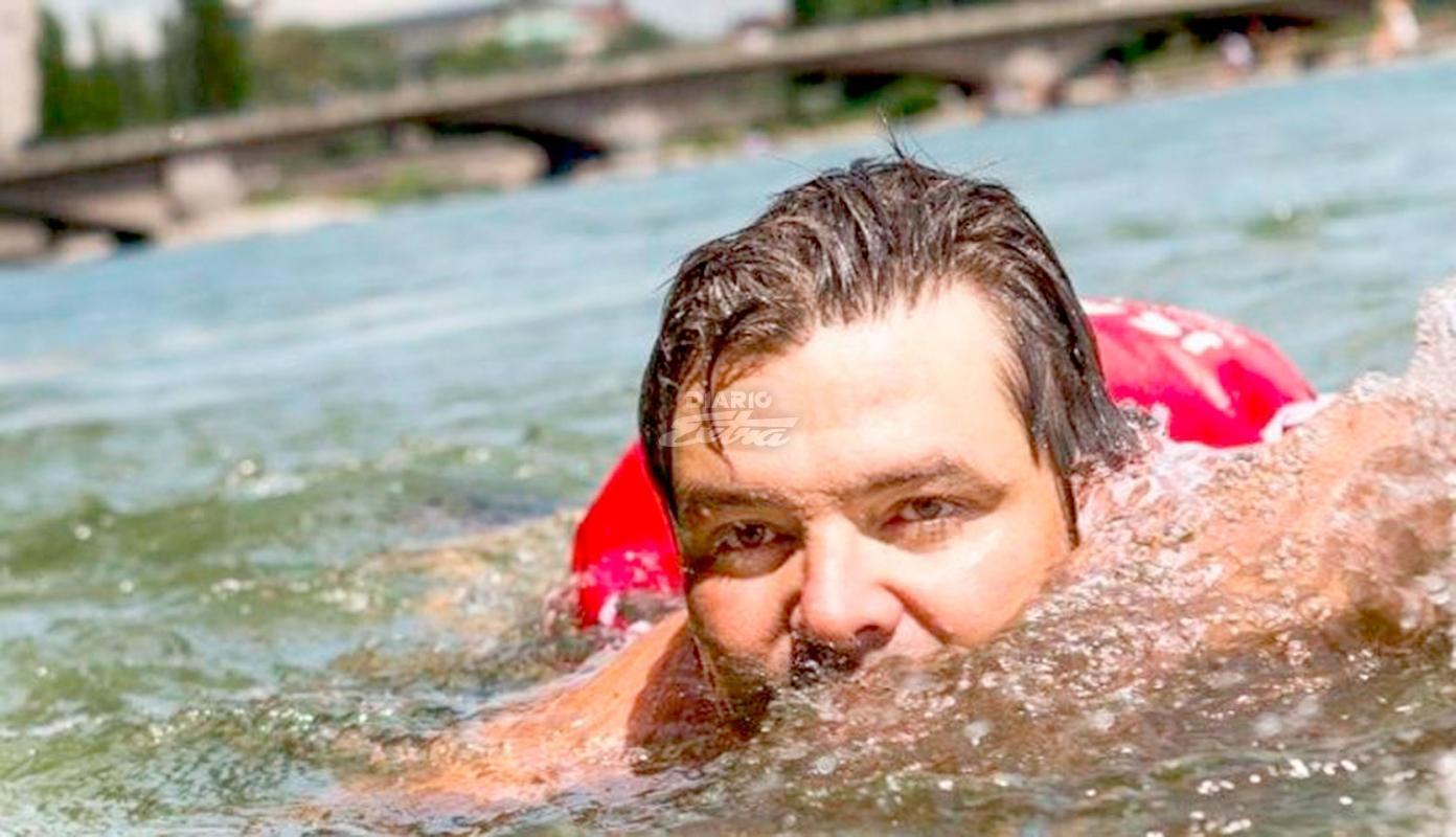 Resultado de imagen para Benjamin David va al trabajo por el rio