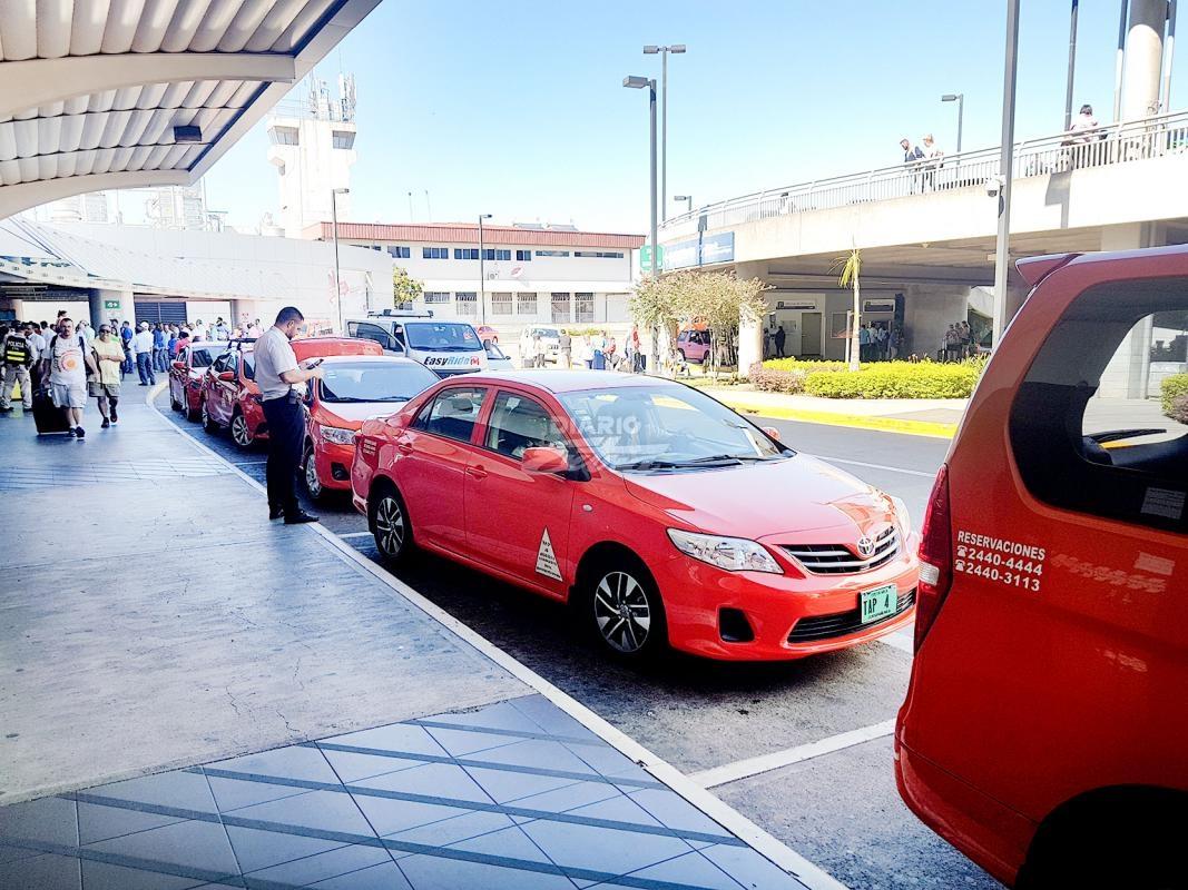 Diario extra retiran placas a taxis que operan fuera de - Taxi puerto de santa maria ...