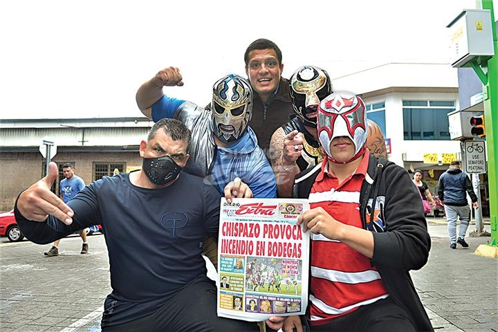 Diario extra hoy gran espect culo internacional de lucha for Espectaculos internacionales de hoy