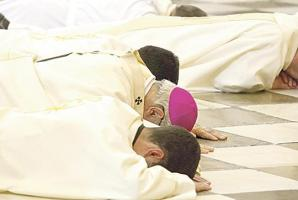 Caen sacerdotes por abuso sexual
