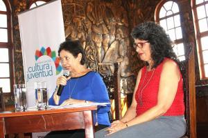 La ministra Elizabeth Fonseca y Fresia Camacho, directora de Cultura, anunciaron los ganadores