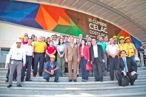 El presidente Luis Guillermo Solís visitó el Centro de Convenciones Pedregal, sede de la reunión de los 33 representantes del Celac