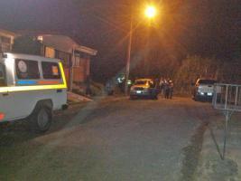 Autoridades acordonaron la zona evitando que las personas se acercaran al cuerpo