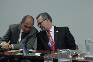 Manuel Gonzalez y Alejandro Solano, canciller y vicecanciller tico respectivamente en la inauguración.