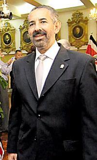 El jefe de fracción del PLN, Juan Luis Jiménez, busca que todos los partidos se suman al pacto nacional