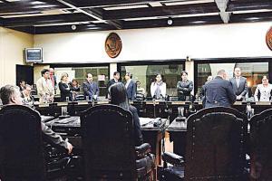 Los diputados participarán hoy en la inauguración de la Celac