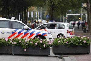 Un hombre armado irrumpió hoy en el edificio de la cadena de televisión pública holandesa NOS en la localidad de Hilversum durante la emisión del informativo de la noche