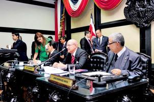 Directorio legislativo también espera la medida cautelar contra el director de Recursos Humanos, por no acatar órdenes