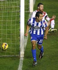 Celso Borges celebra tras marcar ante el Rayo Vallecano