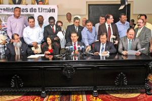 Legisladores de Limón aseguran que fiscalizarán la obra en la ruta 32