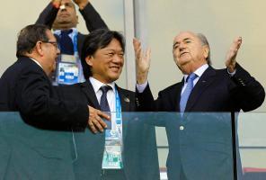 Eduardo Li confirmó que Costa Rica votará por Joseph Blatter para que siga como presidente de la FIFA