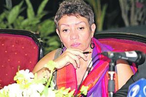 Carmen Muñoz, viceministra de Gobernación, explicó que estudian un permiso humanitario para parejas gais