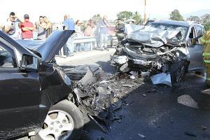 Los daños fueron totales en ambos carros