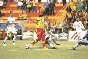 Herediano perdió dos puntos valiosos en casa ante el Uruguay. (Foto: Randall Sandoval)