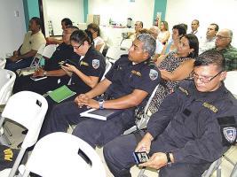Fuerza Pública y vecinos estuvieron presentes durante la lectura del informe de la Fiscalía
