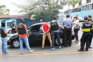 Dipol detiene a sujeto por supuesta extorsión y soborno