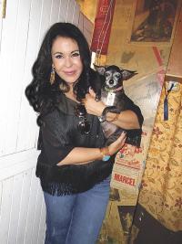 María Conchita Alonso y su perrita Tequila