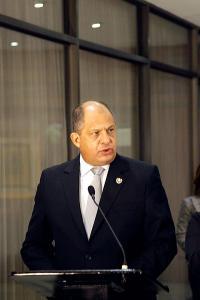 El presidente Luis Guillermo Solís el año pasado pidió a sus ministros que ejecuten los fondos aprobados