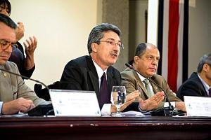 Ramos apuntó que con la firma del reglamento habrá más agilidad para asignar el financiamiento