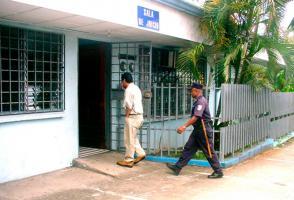 La fiscala Yorleny Ching, fue absuelta este miércoles por el supuesto abuso de autoridad, que le acusó la defensora Lory Chiny
